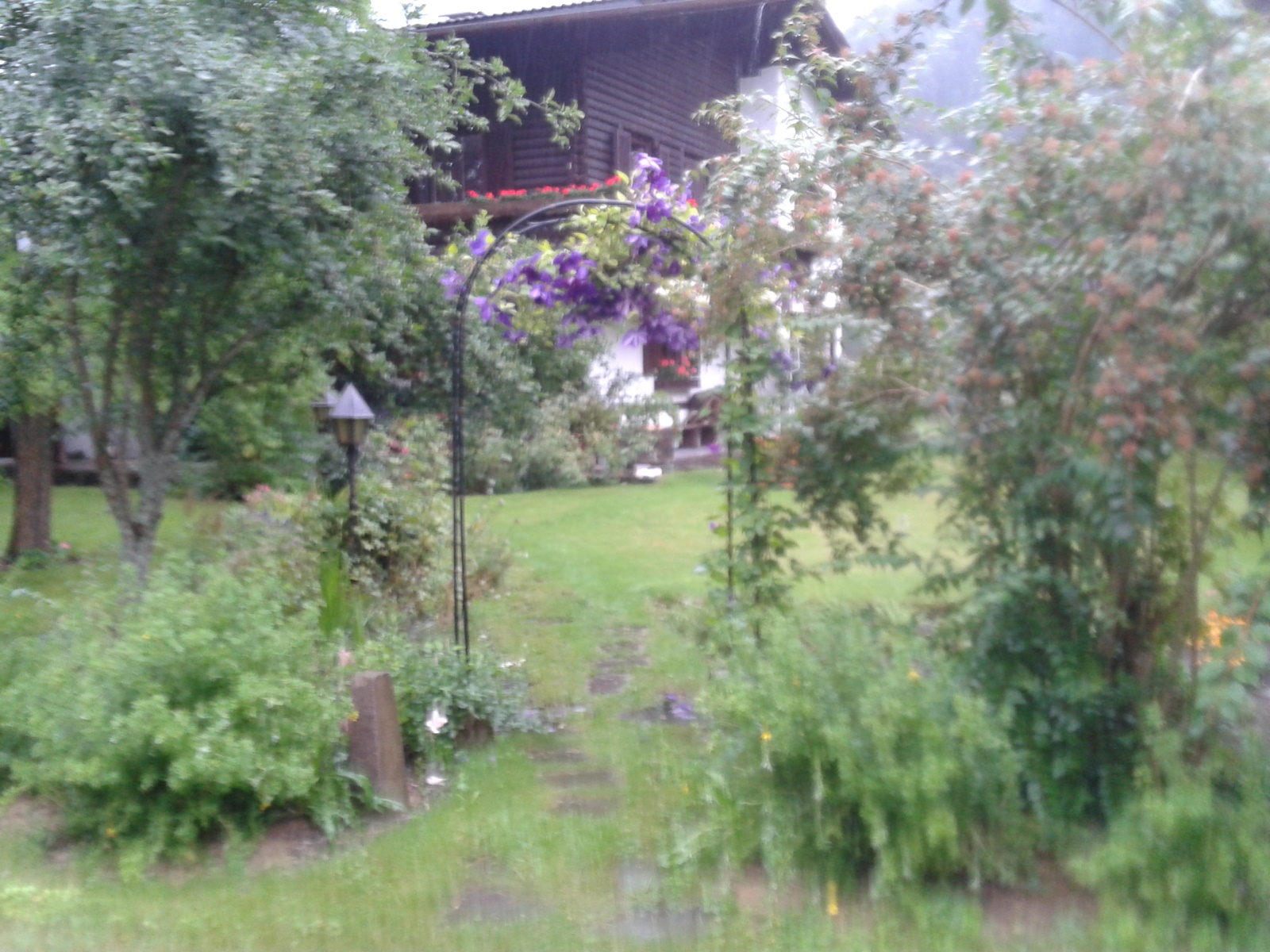 a garden seen along lechweg
